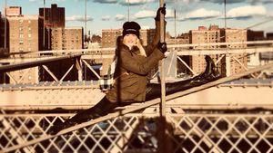 Extreme Pics! Helene Fischer turnt auf der Brooklyn Bridge