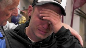 Freiwilliges Sommerhaus-Aus: Henning weint bittere Tränen