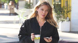 Hilary Duff beim Verlassen eines Cafés in Los Angeles