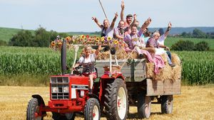"""Premiere: """"Bauer sucht Frau"""" dieses Jahr ohne Scheunenfest!"""