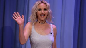 "Jennifer Lawrence in der ""The Tonight Show Starring Jimmy Fallon"" im Mai 2016"