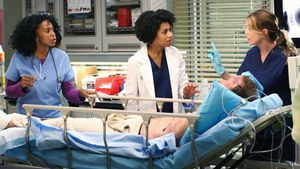"Jerrika Hinton, Kelly McCreary und Ellen Pompeo in ""Grey's Anatomy"""