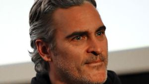 Joaquin Phoenix wurde bei Jane Fondas Klima-Demo verhaftet!