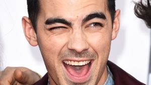 Joe Jonas, Sänger