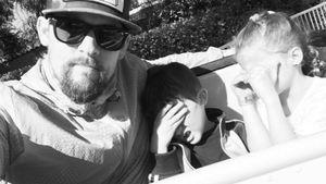 Geht er zu weit? Paparazzo-Papa Joel Madden nervt seine Kids