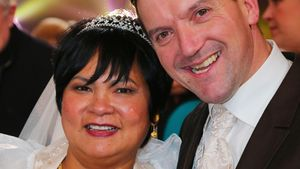 Narumol und Josef bei ihrer Hochzeit