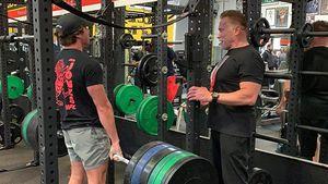 Mucki-Duo: Arnold Schwarzenegger trainiert seinen Sohn Joe!