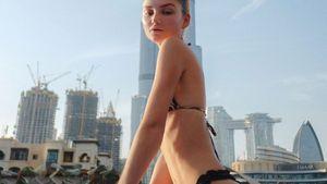 Stahlhartes Sixpack: Ex-GNTM-Julia Wulf zeigt sich im Bikini