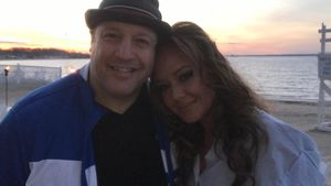 Kevin James und Leah Remini im April 2017