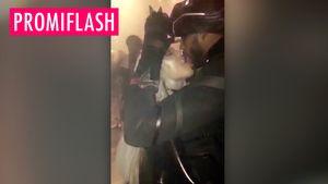 Khloé Kardashian schleckt ihren Tristan ab