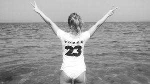 Kim Gloss im Wasser