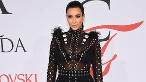 Alarm bei der Schwangeren! Kim Kardashians Kleid brennt