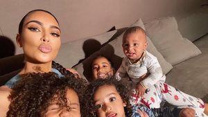 Kim Kardashian: Niedliche Selfies mit allen vier Kindern