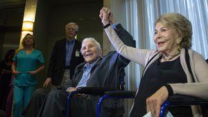 Kirk Douglas (102) feiert: Seine Frau Anne wird heute 100!