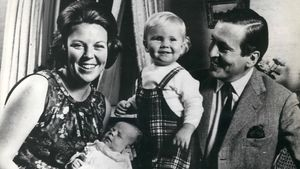 König Willem-Alexander mit Mama Beatrix, Papa Claus und Bruder Johan Friso