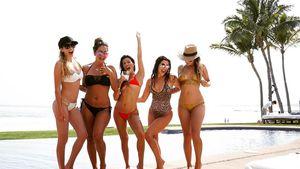 Kourtney Kardashian (m.) mit ihren Freundinnen im Urlaub