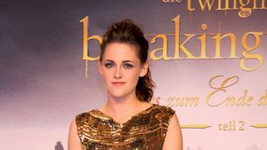 Goldstück: Kristen Stewarts funkelnder Berlin-Look
