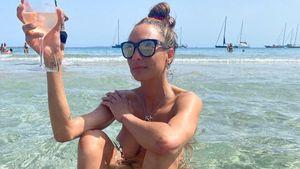 Ganz entspannt: Lilly Becker badet völlig nackt im Meer