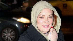 Lindsay Lohan vor ihrem Nachtclub in Athen