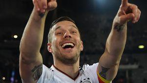 Lukas Podolski beim Freundschaftsspiel zwischen England und Deutschland