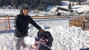 Lukas Podolski mit seiner Tochter Maya im Winterurlaub, Januar 2017