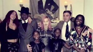 Seltene Aufnahme: Madonna zeigt sich mit ihren sechs Kindern