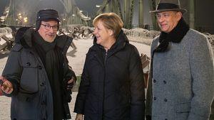 Fan-Girl Angie: Merkel besucht Hanks & Spielberg