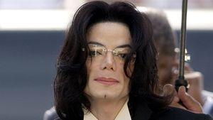 Wegen Kinderwunsch: Michael Jackson kuschelte mit Puppen!