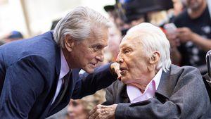 Michael Douglas widmet seinen Golden Globe Vater Kirk (102)