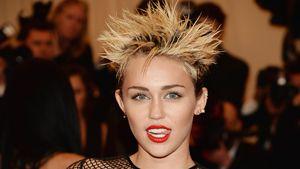 Heiß! Miley Cyrus posiert oben ohne für den Rolling Stone