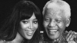 "2. Todestag: Naomi Campbell gedenkt ""Opa"" Nelson Mandela"