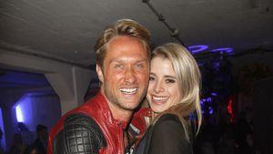 Nico Schwanz und Saskia Atzerodt zusammen auf einer Party