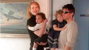 Tom Cruise & John Travolta feiern Scientology