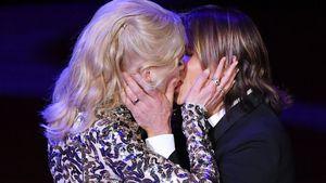 Kein Dresscode: Die Oscar-Ladys tragen Rot, Weiß & Blau!