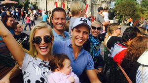 Oksana Kolenitchenko und ihre Familie im Disneyland