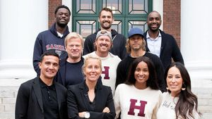 Mit US-Sängerin Ciara: Oliver Kahn macht Harvard-Abschluss