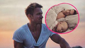 Verschlafen: BTN-Patrick kuschelt mit Töchterchen Lilly