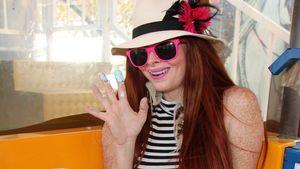 Sexy Lolita-Look: Phoebe Price entblößt ihren Slip