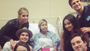 Shay Mitchell, Ashley Benson, Troian Bellisario, Keegan Allen, Tyler Blackburn und Ian Harding