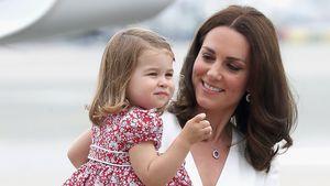 """""""Naturtalent"""": Prinzessin Charlotte (2) spielt schon Tennis!"""