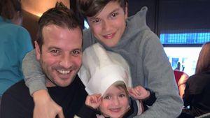 So süß fallen sich Rafael van der Vaarts Kids in die Arme