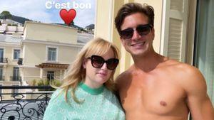Rebel Wilsons neuer Freund Jacob teilt Oben-ohne-Pärchenbild