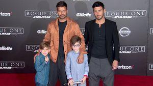 Ricky Martin mit seinen Söhnen und seinem Partner auf der Star Wars Premiere