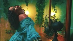 "RiRi is back! Hotter denn je im neuen ""Wild Thoughts""-Clip"