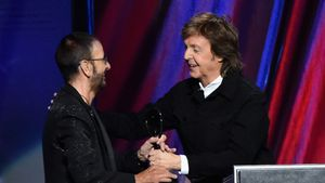 Ringo Starr & Paul McCartney feiern Teil-Reunion der Beatles