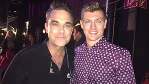 Fan-Boy! Fußballer Toni Kroos trifft Robbie Williams