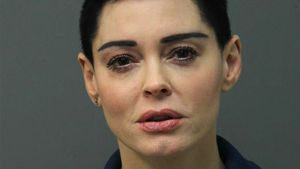 Mugshot wegen Drogen: Rose McGowan zeigt sich selbst an