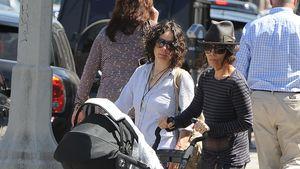 Sara Gilbert & Linda erstmals mit Baby gesichtet