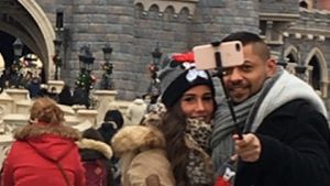 Sarah Lombardi und Michal T. im Disneyland in Paris