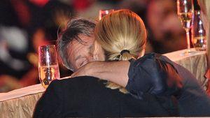 Knutschattacke! Sean Penn knuddelt Charlize Theron
